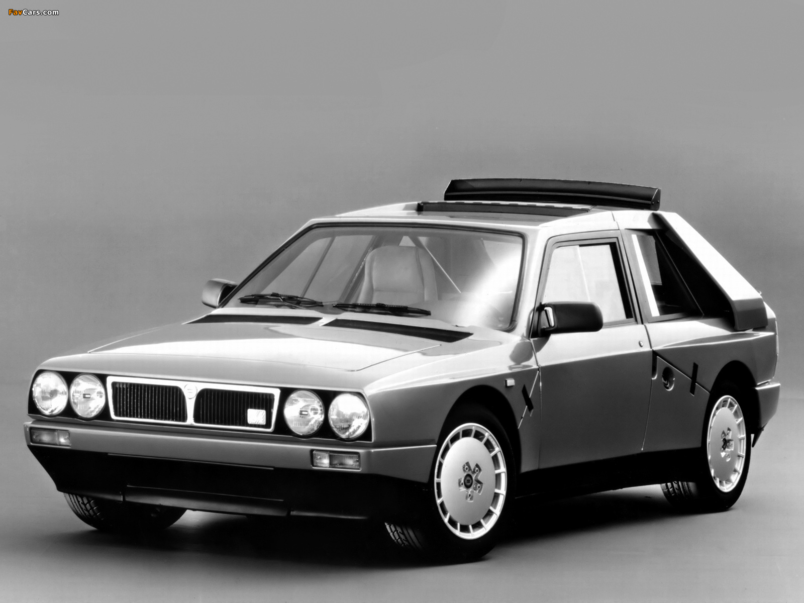 Photos Of Lancia Delta S4 Stradale Se038 1985 1986