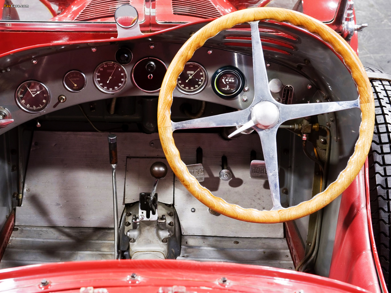 Pocher2 also Alfa Romeo 8C 2900B Lungo Touring Berli ta 61558 together with Interieur photo Alfa Romeo MiTo Quadrifoglio Verde 2014 image additionally Pur Sang 308 Debuts 2014 Goodwood Revival furthermore Alfa Romeo 8C 2900B Touring Berli ta 77330. on alfa romeo 8c