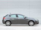 Pictures of Alfa Romeo Giulietta UK-spec 940 (2010)