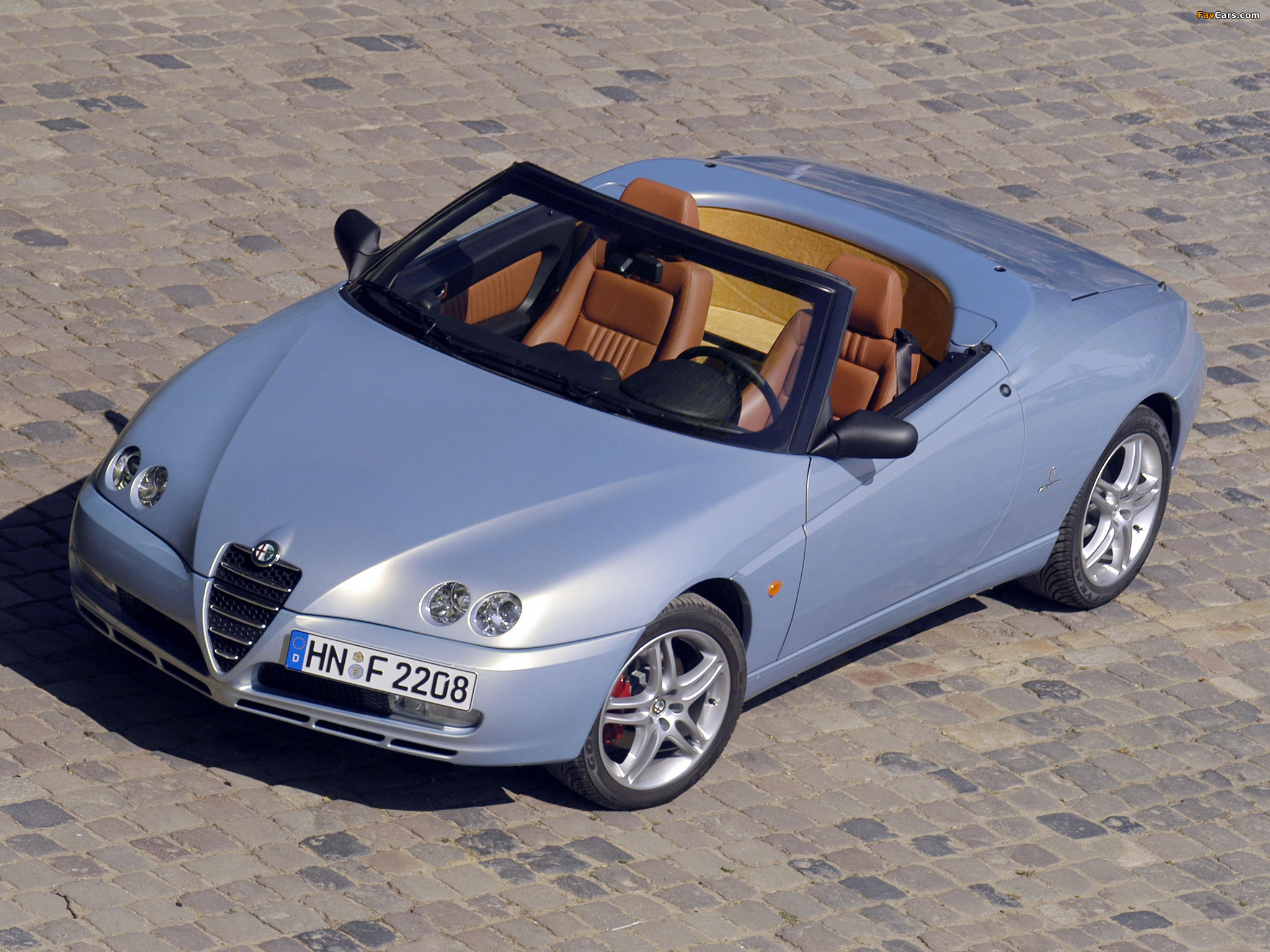 alfa romeo spider 916 2003 2005 photos 2048x1536. Black Bedroom Furniture Sets. Home Design Ideas