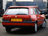 Pictures of Alfa Romeo Sport Wagon 907 (1990–1994)