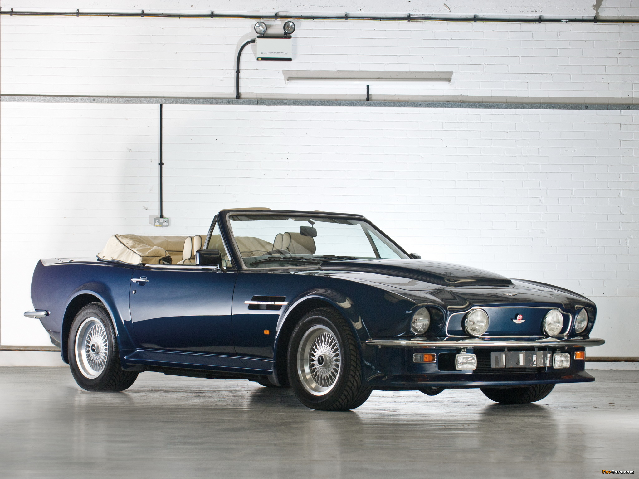 1987 Aston Martin V8 Vantage : Classic Cars | Drive Away 2Day