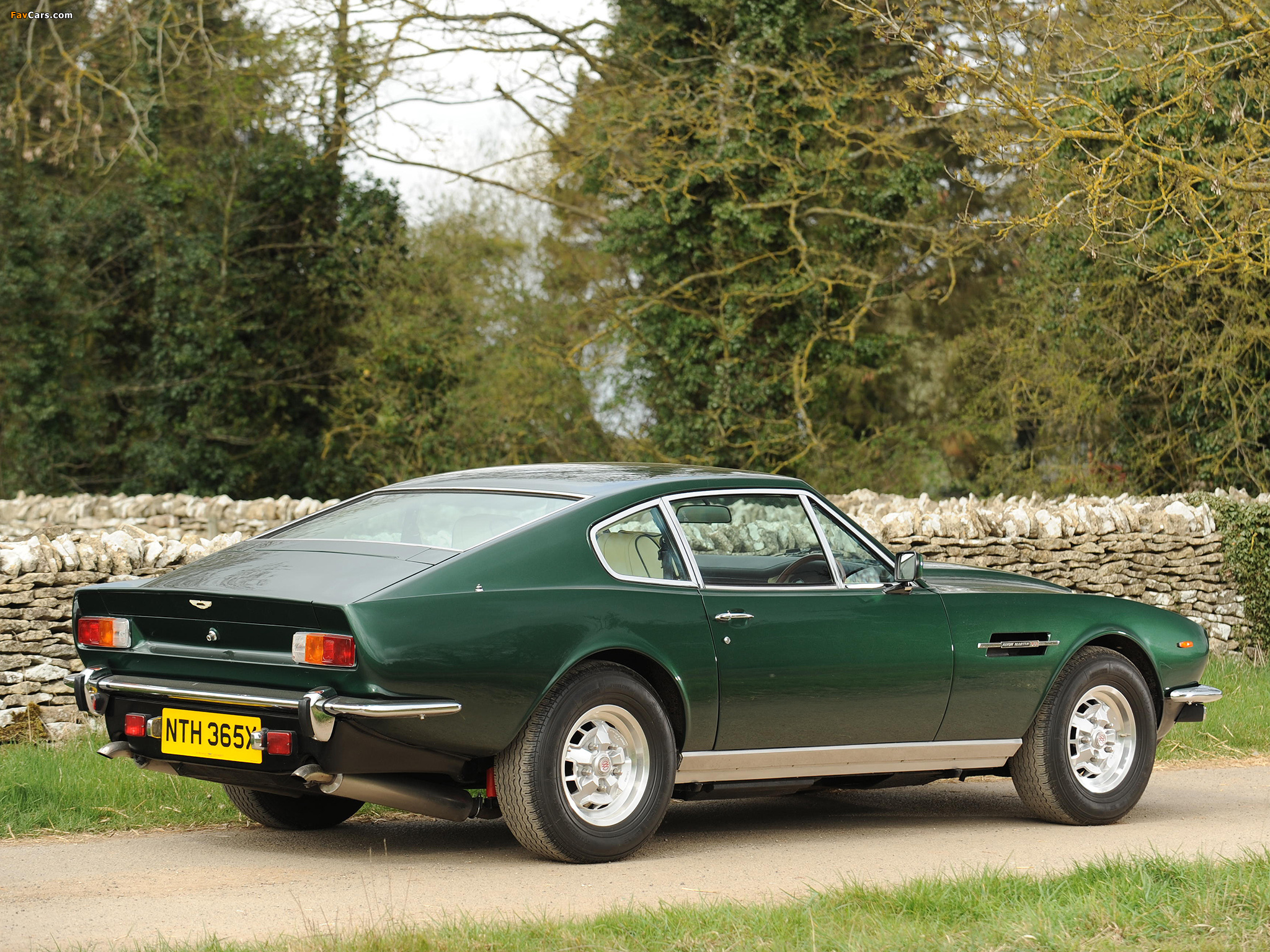 Photos Of Aston Martin V8 Saloon 1972 1989 2048x1536