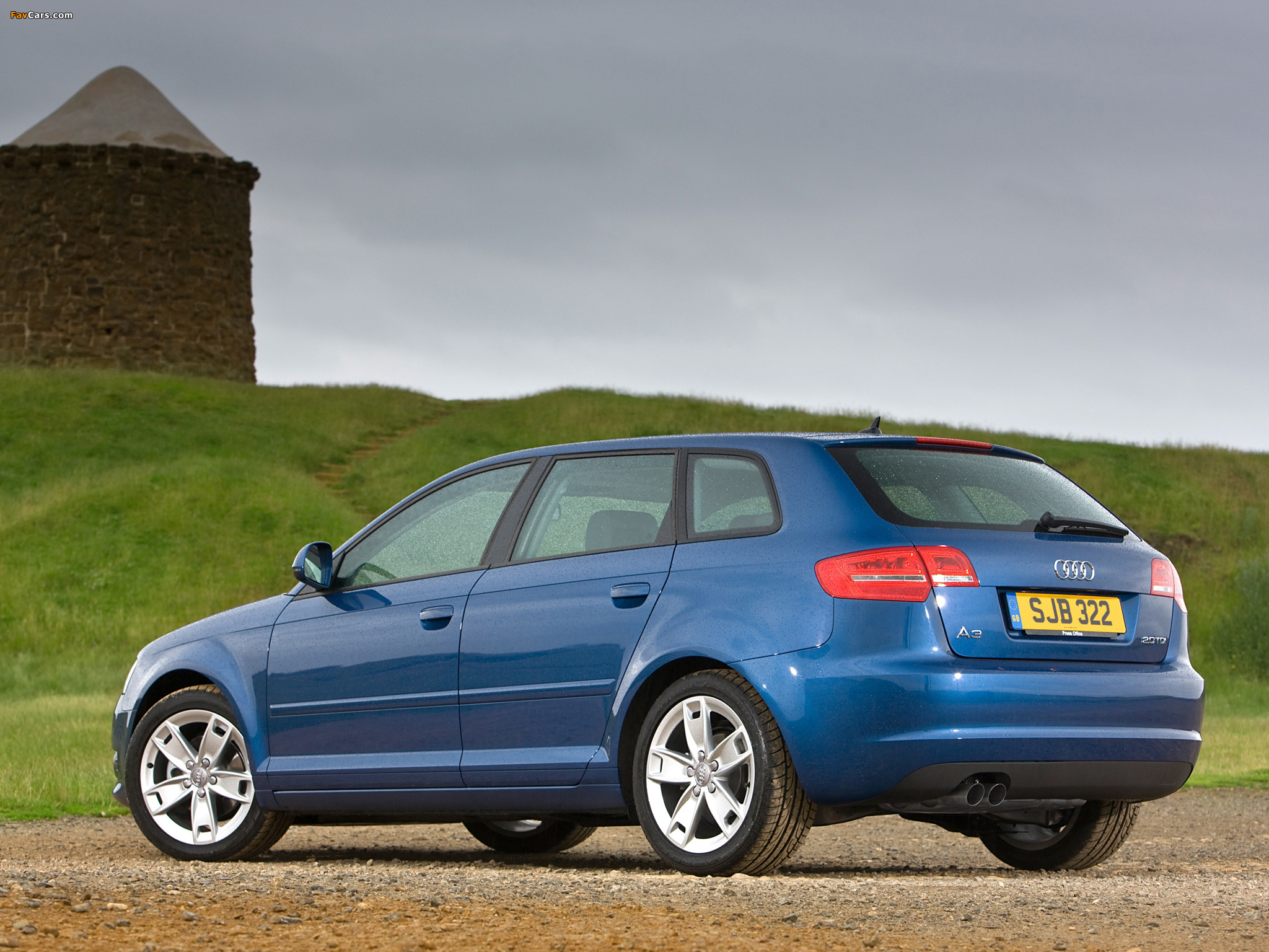 Audi a3 sportback 2 0 tdi uk spec 8pa 2008 2010 images for Dimensioni audi a3 sportback 2008
