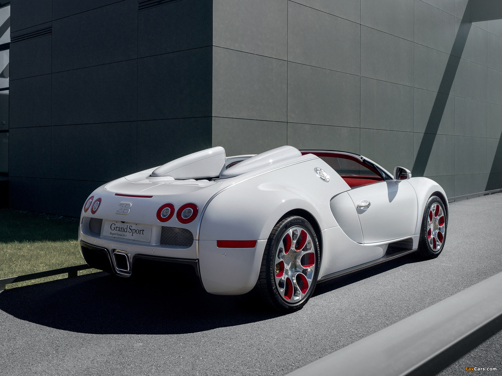 bugatti veyron grand sport wei long 2012 wallpapers 1600x1200. Black Bedroom Furniture Sets. Home Design Ideas