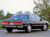 Photos of Buick LeSabre Sedan 1990–91