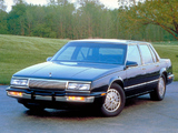 Pictures of Buick LeSabre Sedan 1990–91