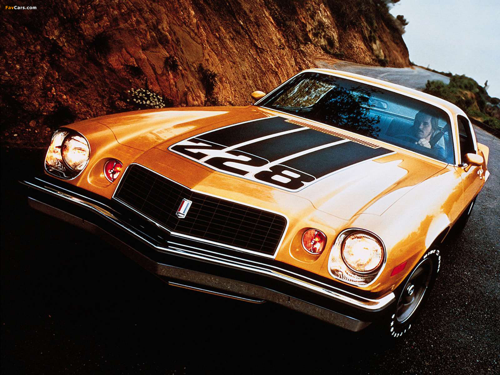 Wallpapers of Chevrolet Camaro Z28 1974–77 (1600 x 1200)