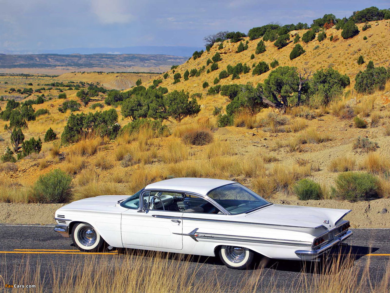 Wallpapers of Chevrolet Impala Sport Coupe 1960 (1280 x 960)