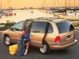 Chrysler Town & Country 1995–97 images