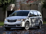 Chrysler Town & Country 2010 wallpapers