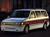 Pictures of Chrysler Town & Country 1991–96