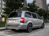 Pictures of Chrysler Town & Country 30th Anniversary 2013