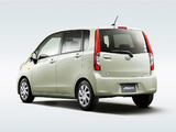 Photos of Daihatsu Move (LA110S) 2012