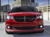 Pictures of Dodge Grand Caravan Blacktop 2013