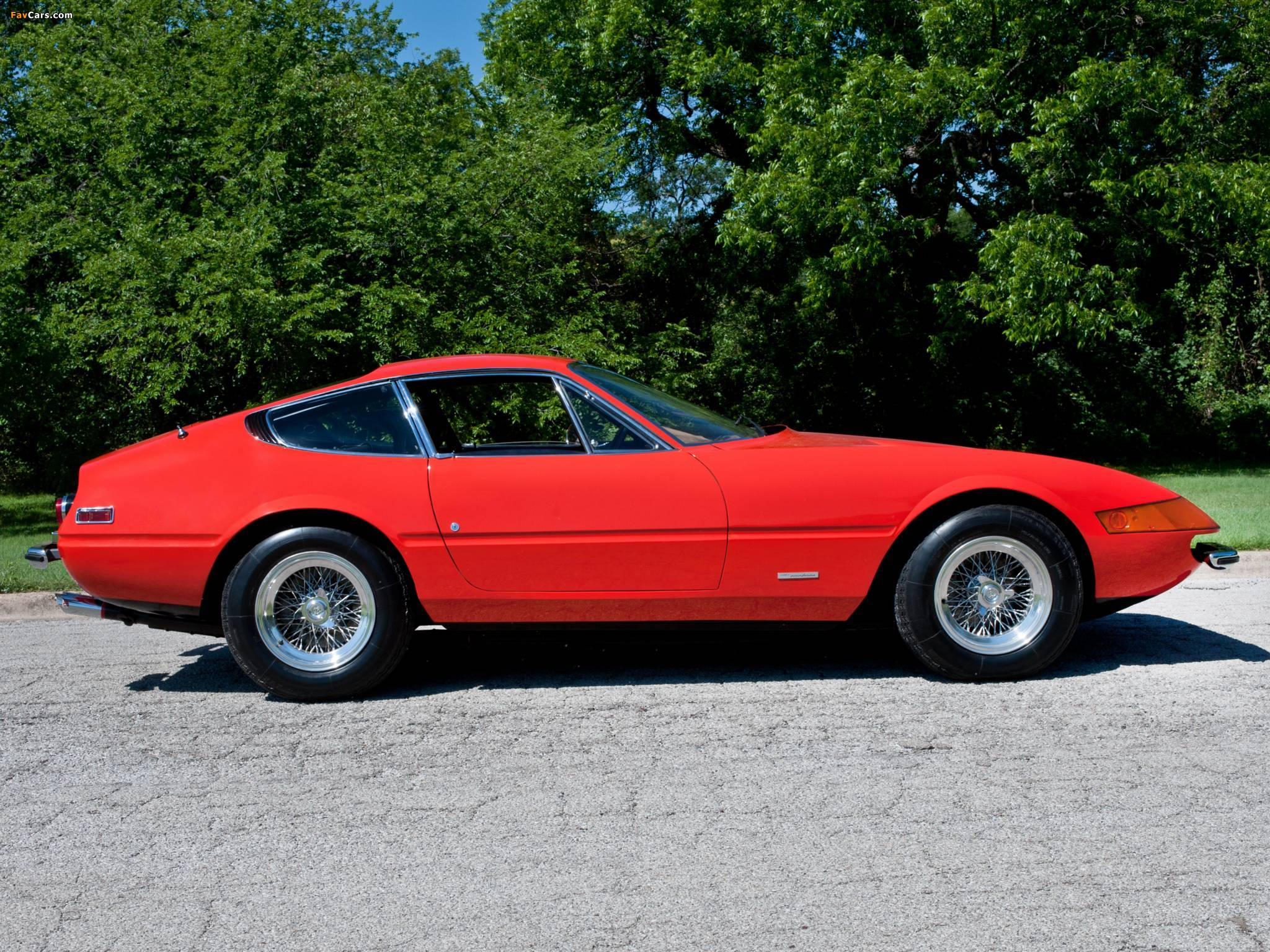 Photos of Ferrari 365 GTB/4 Daytona 1968–74 (2048 x 1536)