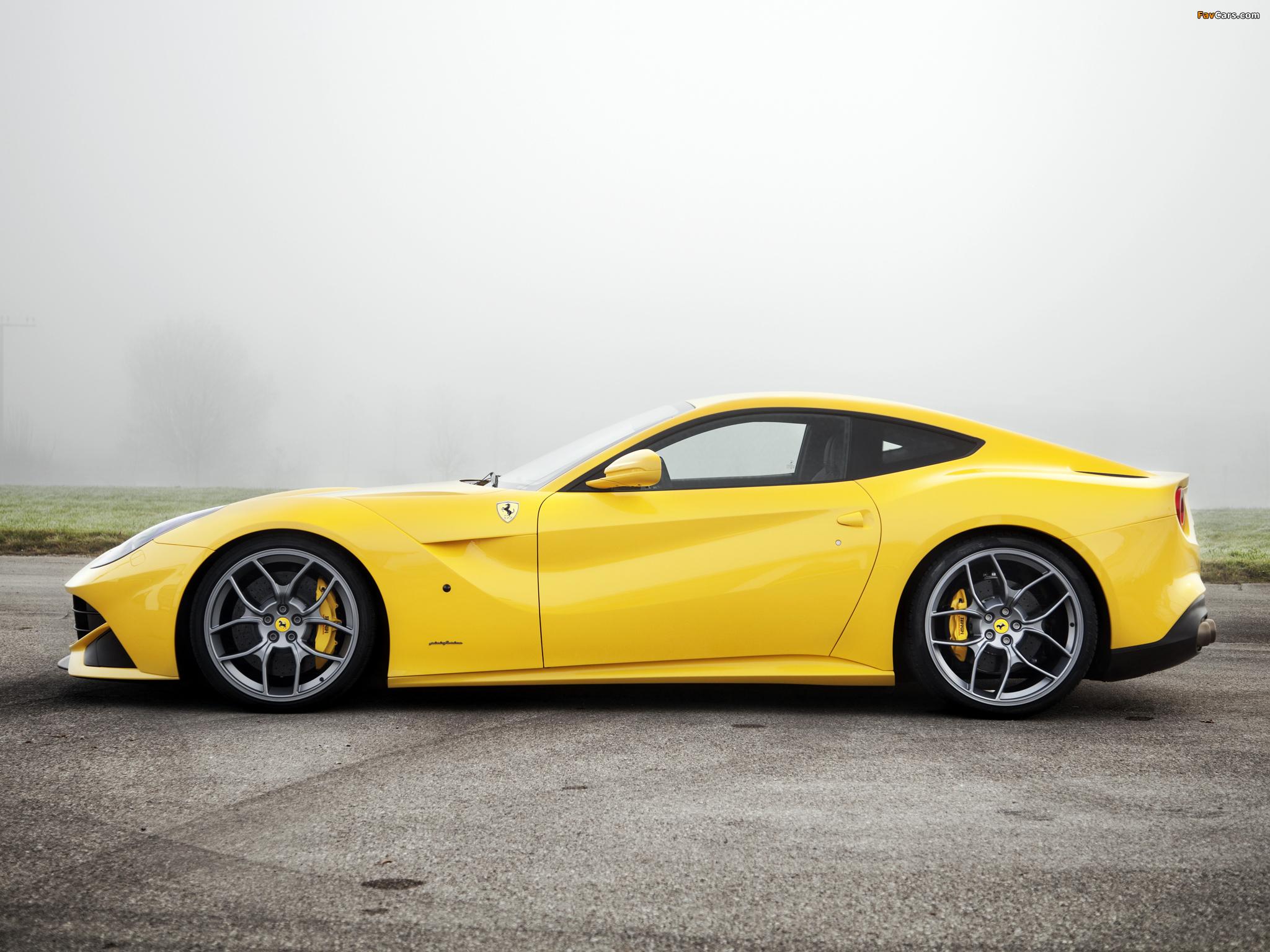 желтый спортивный автомобиль Ferrari F12 Berlinetta Wheelsandmore  № 1564292  скачать