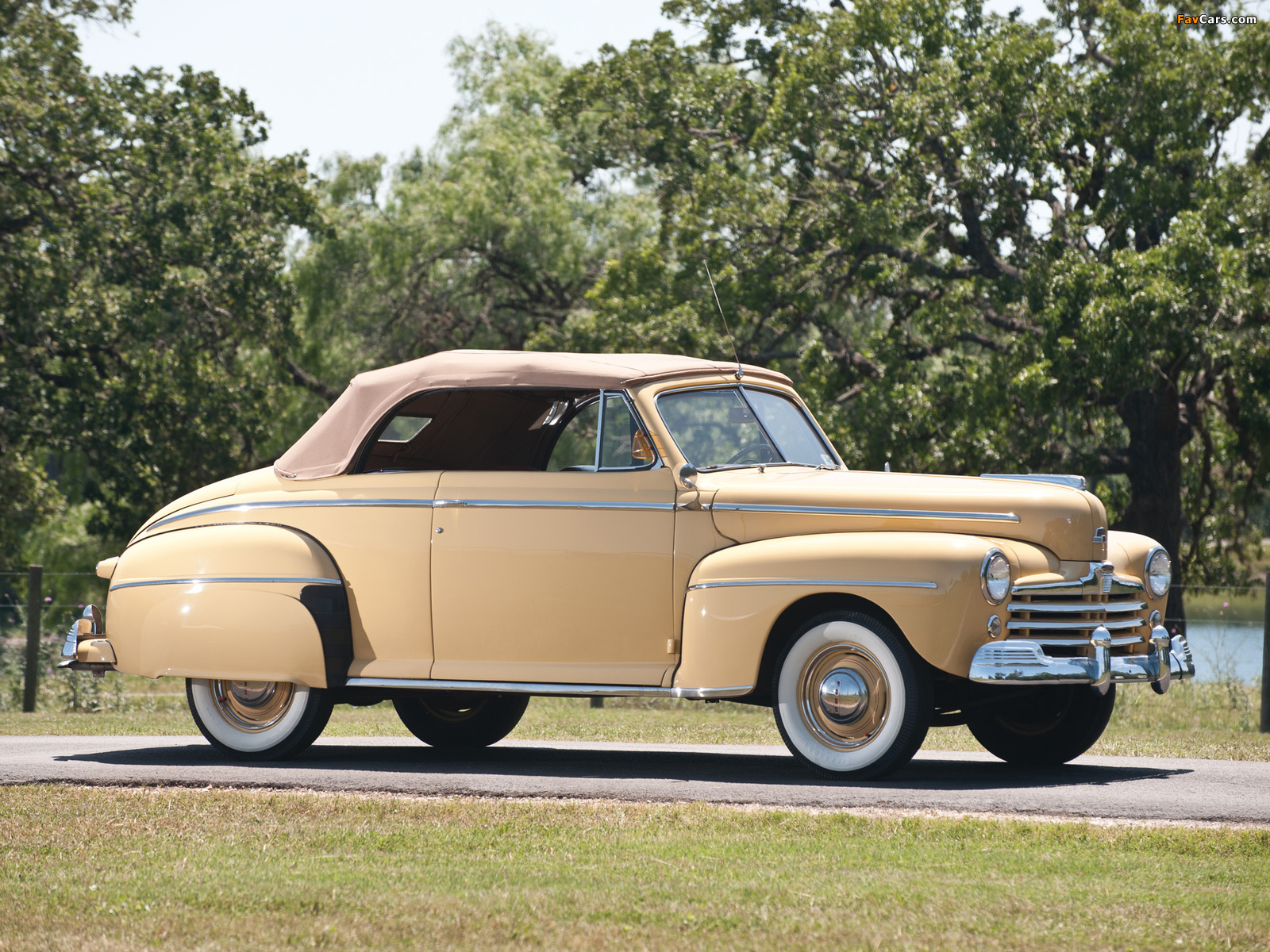 Ford Super Deluxe Convertible Coupe 1948 Pictures 1600x1200