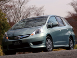 Photos of Honda Fit Shuttle Hybrid (GP2) 2011