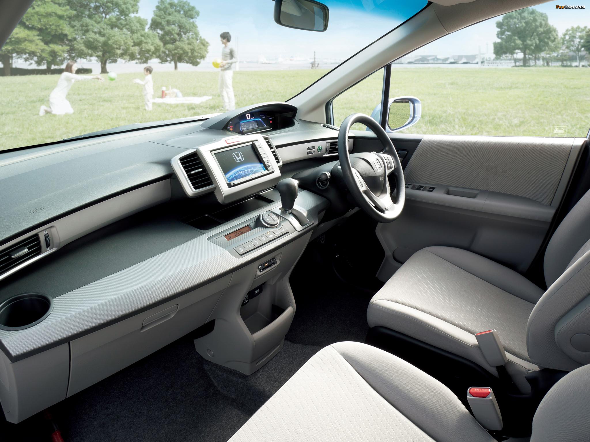 Images of Honda Freed Hybrid (GP3) 2011 (2048 x 1536)