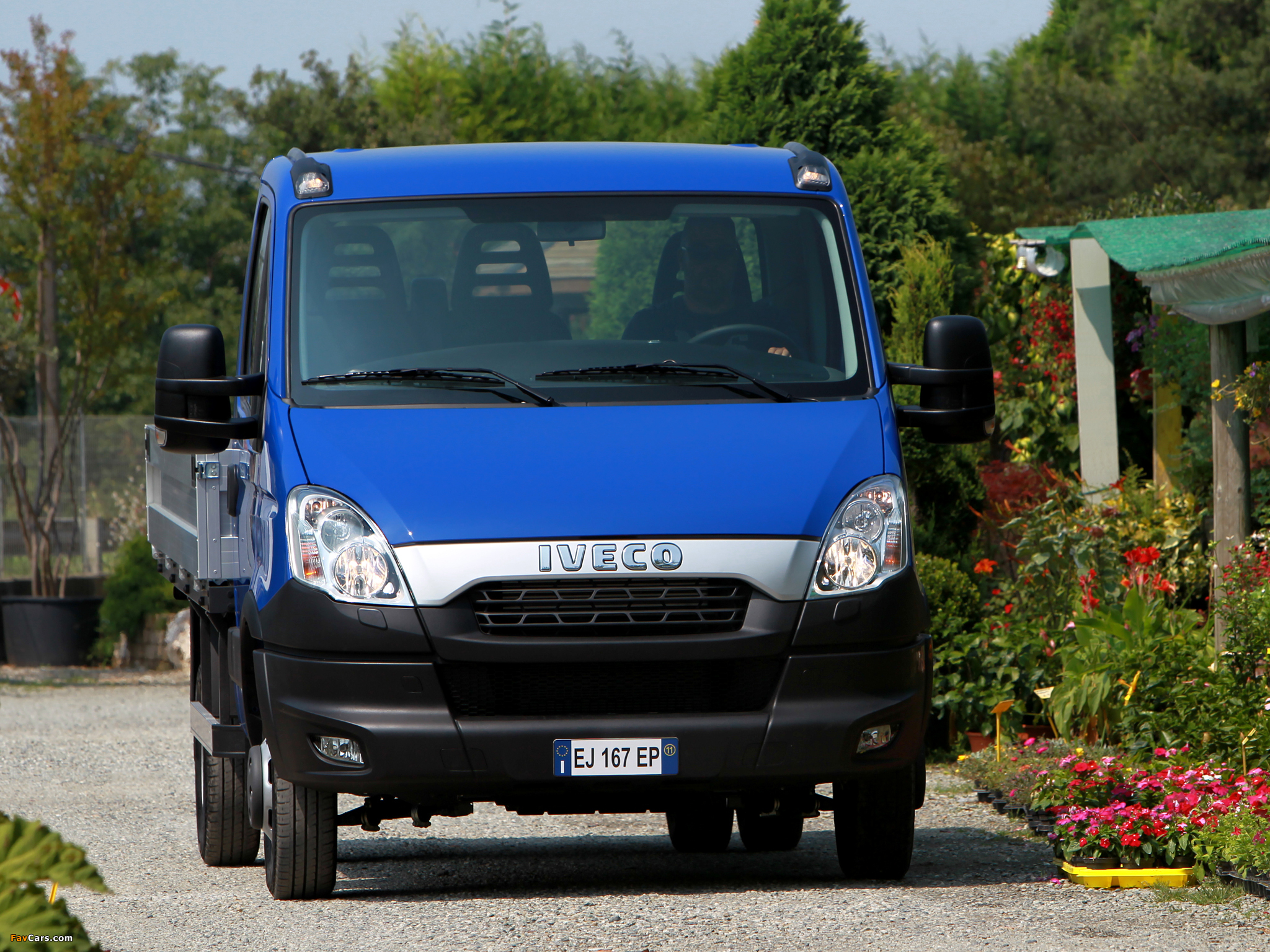 Iveco Daily Chassis Cab 2011 pictures (2048 x 1536)