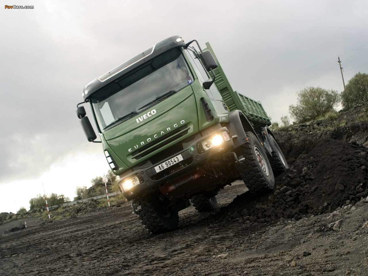 Photos of Iveco EuroCargo 4x4 2004–08
