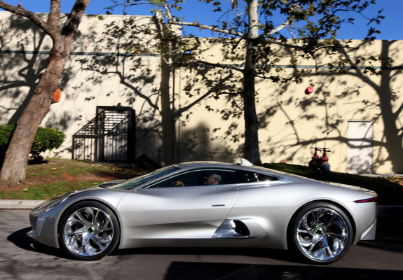 2010 Jaguar Concept Eight photo - 1