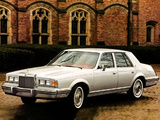 Lincoln Continental 1982–83 pictures