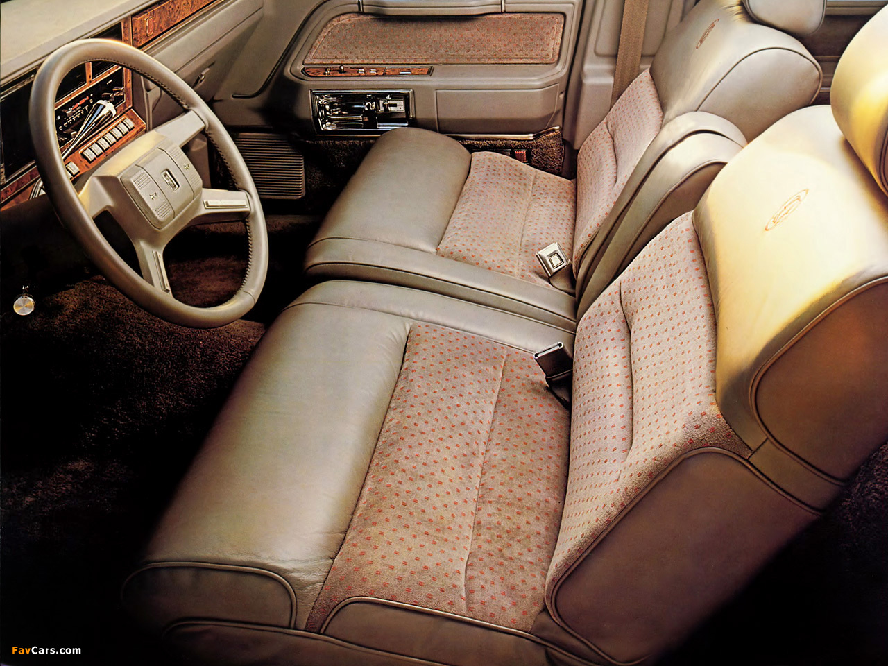 images of lincoln town car 1985 89 1280x960. Black Bedroom Furniture Sets. Home Design Ideas