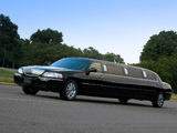 Lincoln Town Car Limousine 2003–11 wallpapers