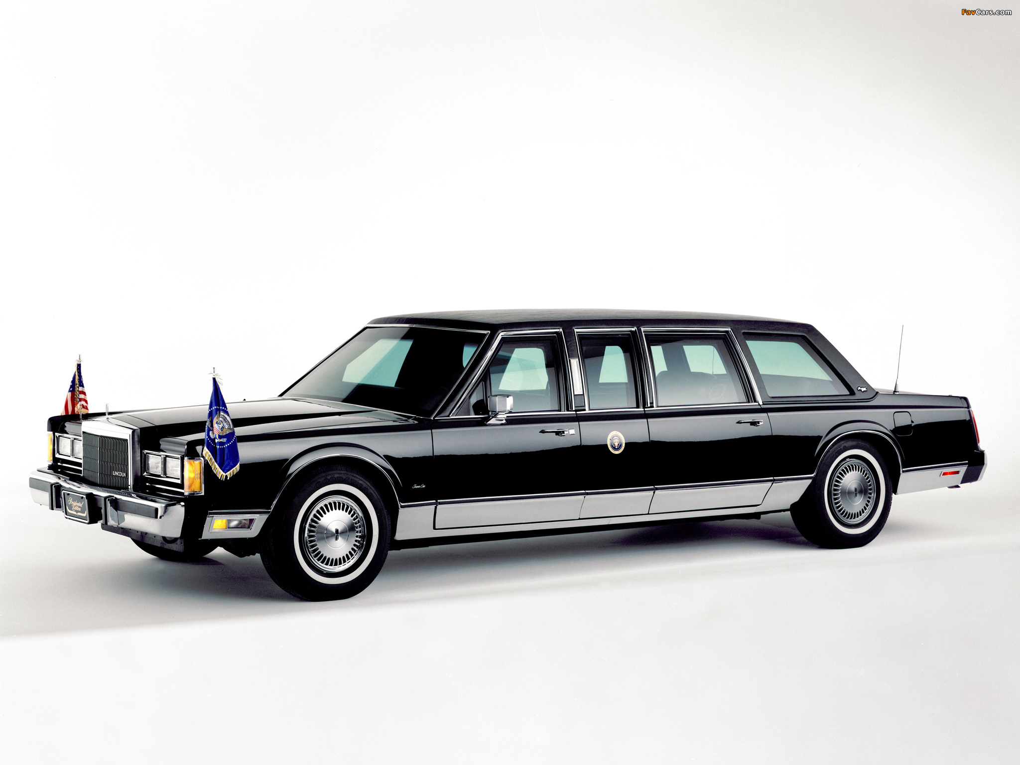 Lincoln Town Car Presidential