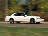 Lincoln Town Car 2003–11 wallpapers