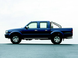 Images of Mazda B2500 Double Cab 2003–06