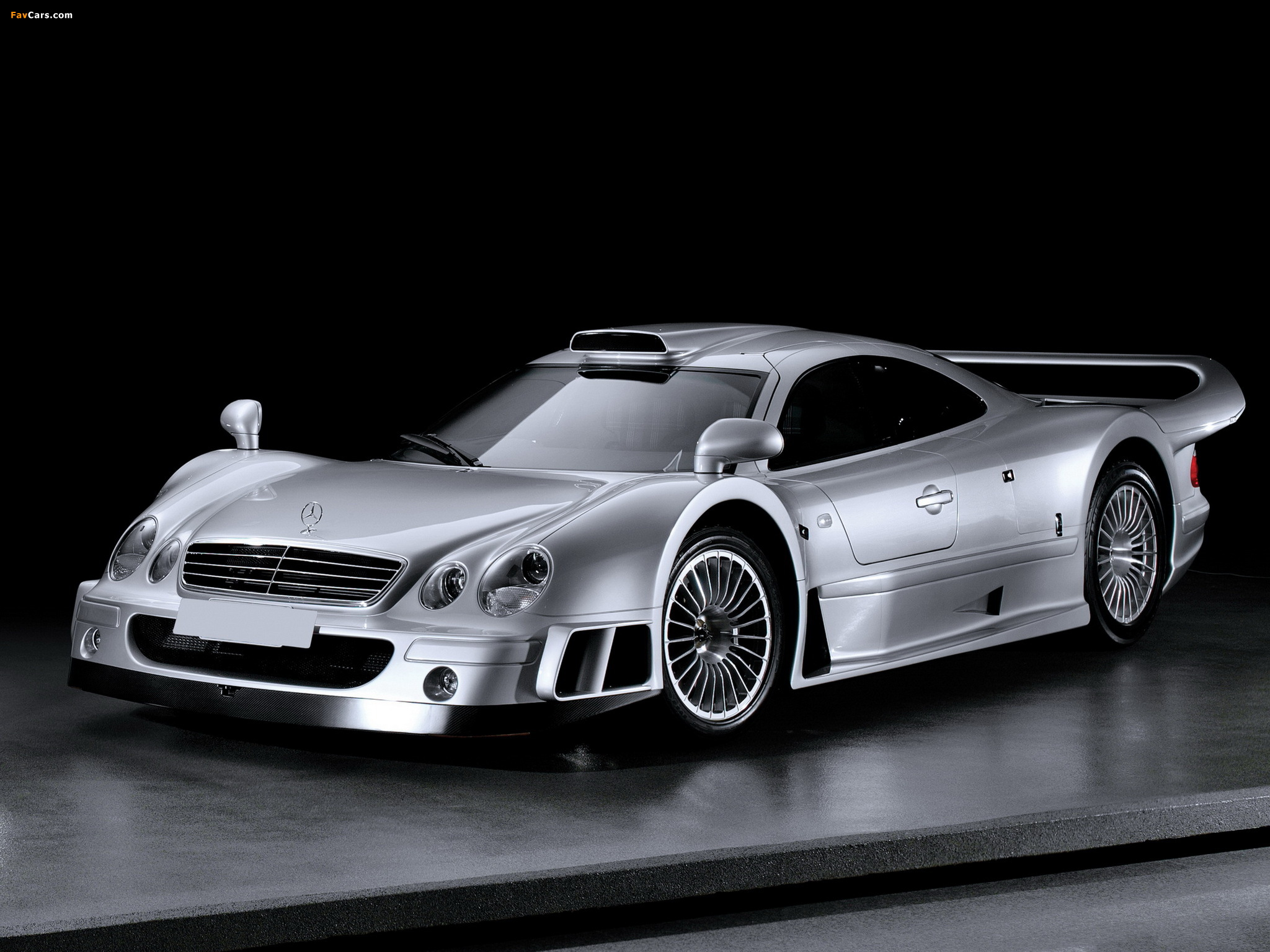 Mercedes benz clk gtr amg road version 1999 pictures for Mercedes benz clk 1999