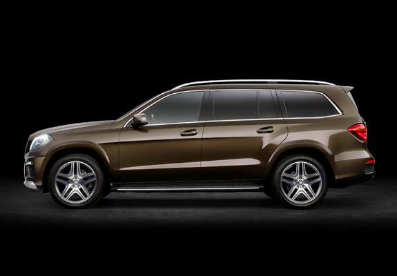 Pictures of Mercedes-Benz GL 350 BlueTec AMG Sports Package (X166) 2012 (800x600)