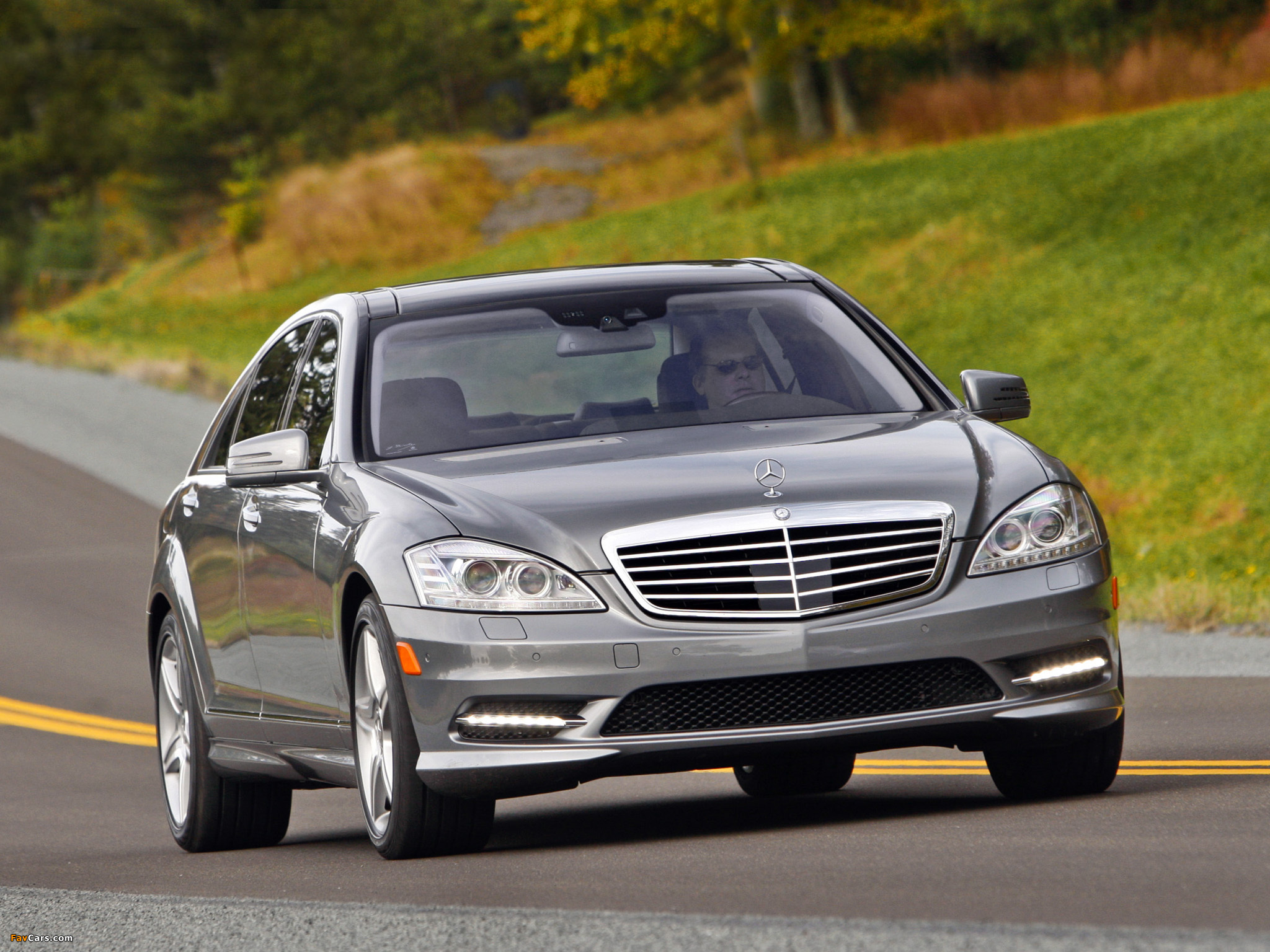 Pictures of mercedes benz s 550 w221 2009 13 2048x1536 for Mercedes benz techs