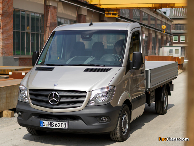 Mercedes benz sprinter dropside w906 2013 pictures 640x480 for 2013 mercedes benz sprinter