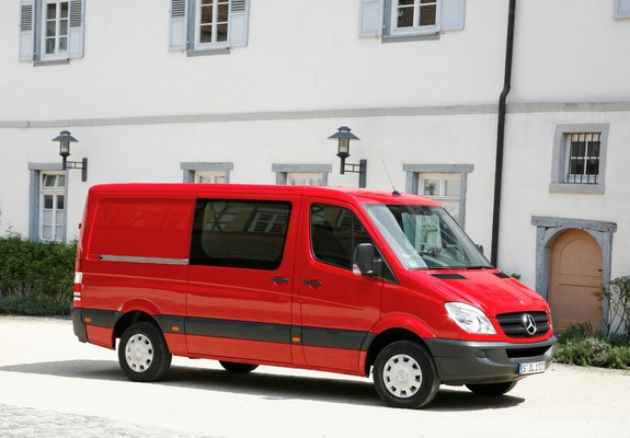 Mercedes Sprinter Van >> Pictures of Mercedes-Benz Sprinter Van (W906) 2006–13 ...