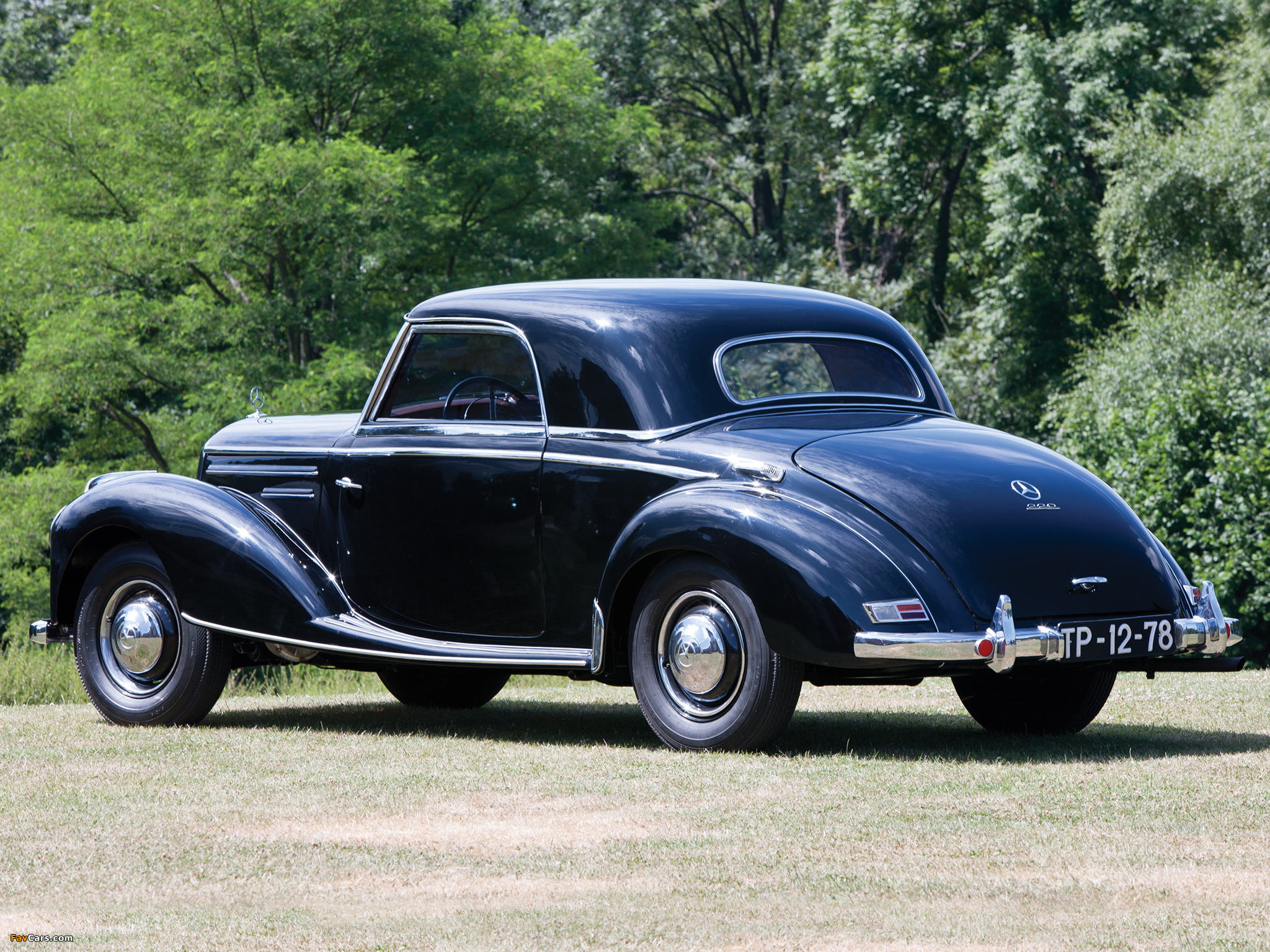 pictures of mercedes benz 220 coupe w187 1954 55 2048x1536. Black Bedroom Furniture Sets. Home Design Ideas