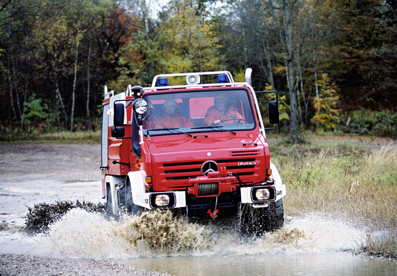 Mercedes benz unimog u4000 double cab firetruck 437 2000 13 pictures to pin on pinterest