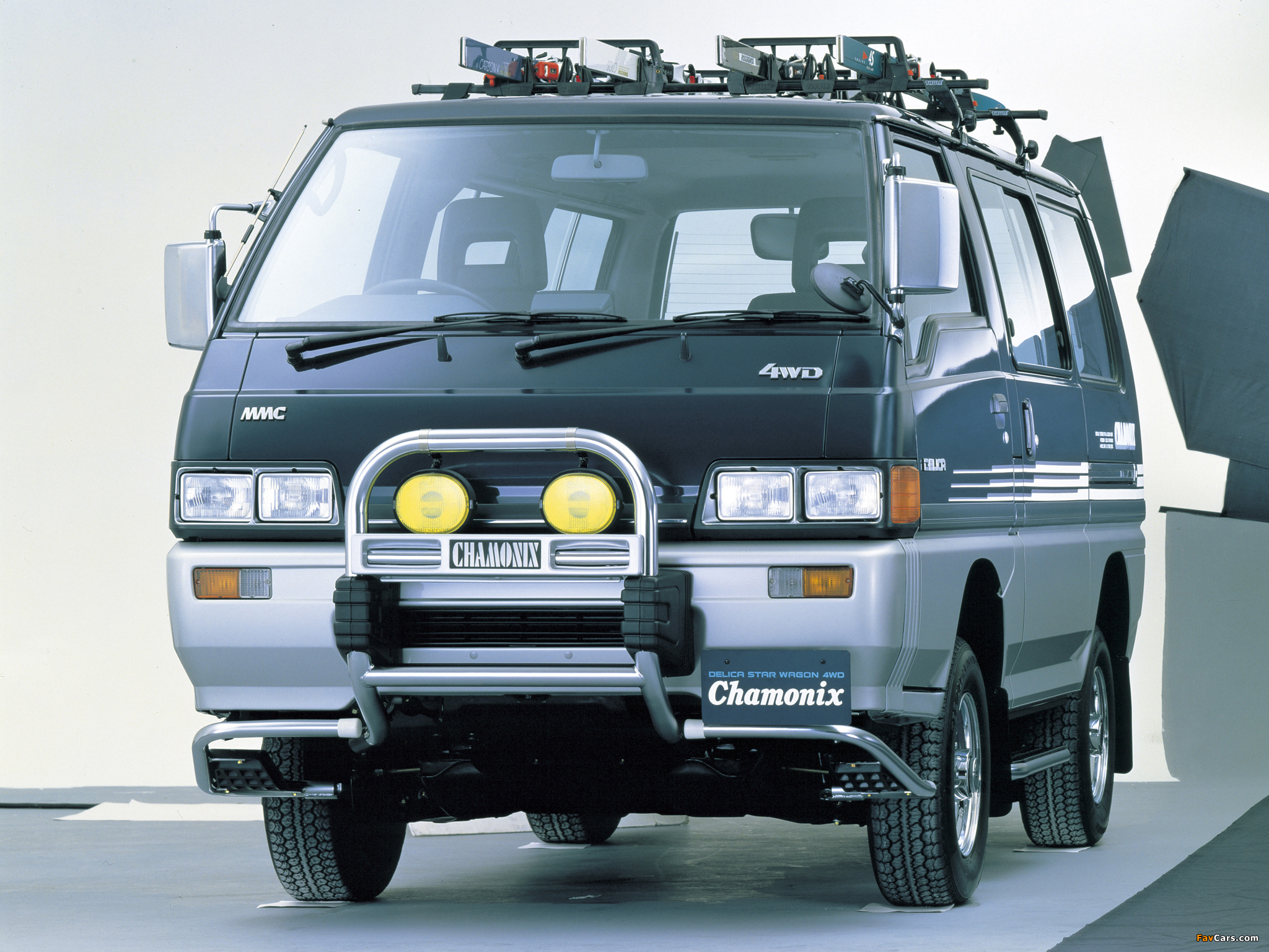 Photos of Mitsubishi Delica Star Wagon 4WD 1986–90 (2048x1536)