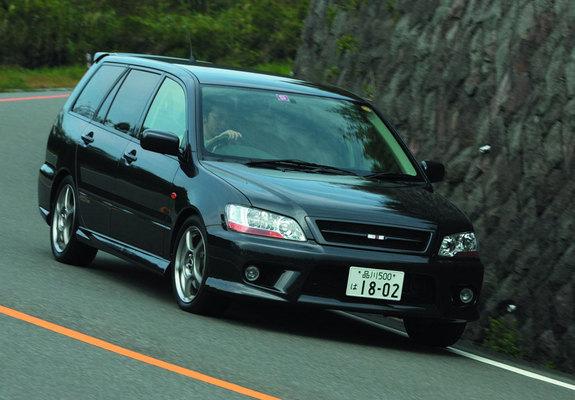 Mitsubishi Lancer Cedia Wagon Ralliart 2000–03 images