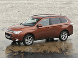 Photos of Mitsubishi Outlander 2012