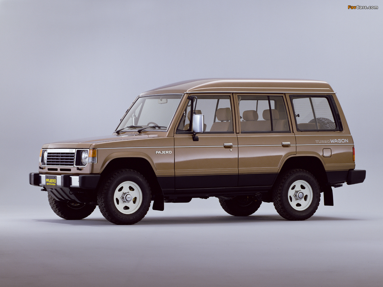 Mitsubishi Pajero Wagon High Roof I 1983 91 Images
