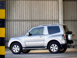 Images of Mitsubishi Shogun 3-door 2006