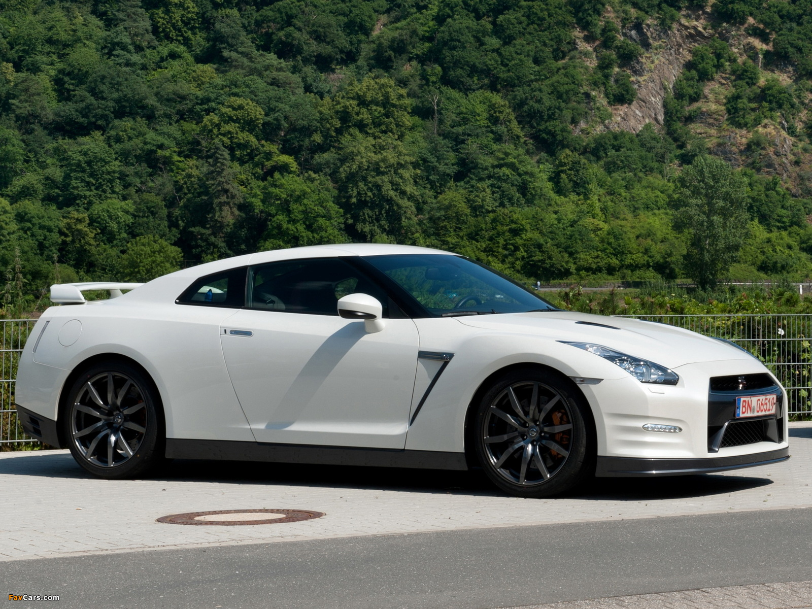 Images Of Nissan Gt R Black Edition R35 2010 1600x1200