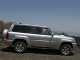 Pictures of Nissan Patrol 5-door (Y61) 2004–10
