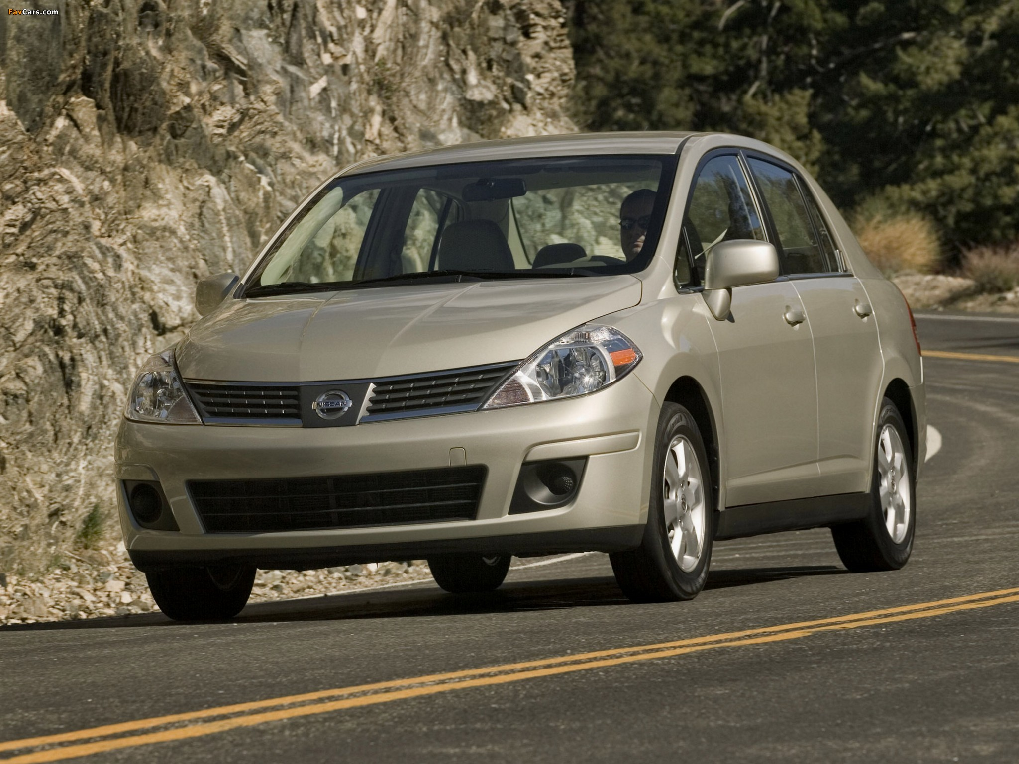 Images of Nissan Versa Sedan 2006–09 (2048 x 1536)