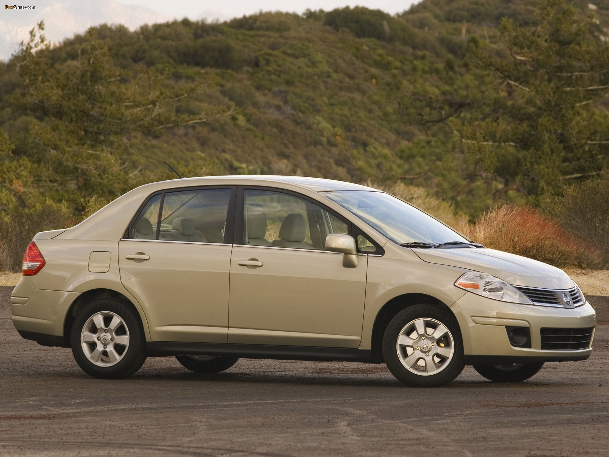 Photos of Nissan Versa Sedan 2006–09 (2048 x 1536)