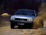 Pictures of Renault 18 4x4 Break 1984–86
